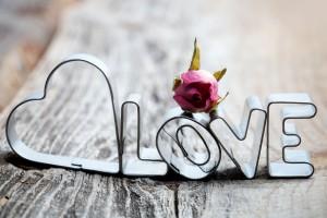 http://www.wallsfeed.com/love-letters/